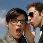 Leugentje om bestwil geoorloofd bij het flirten?